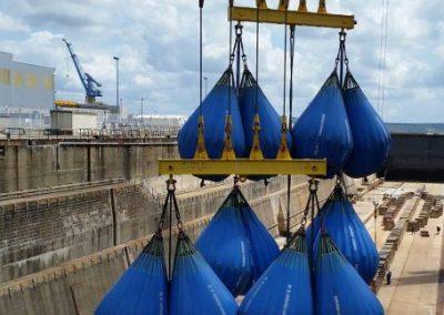 DCNS BREST - Essai en charges d'un portique